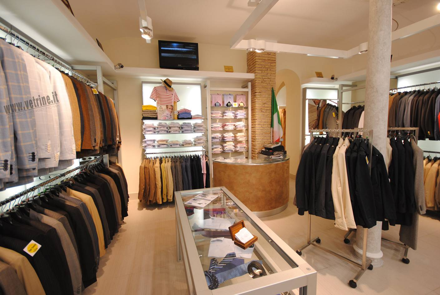 Arredamento per negozi e tutto per negozi