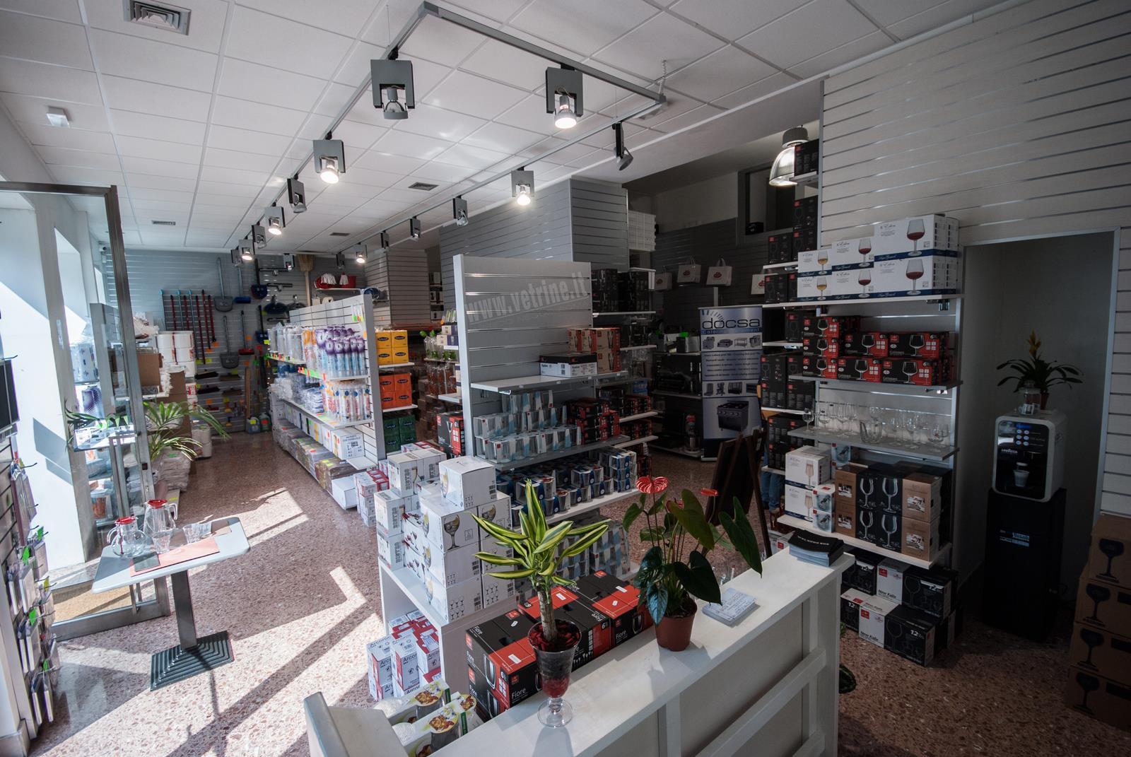 Come aprire un negozio cosa fare tutto per for Negozi di arredamento economici