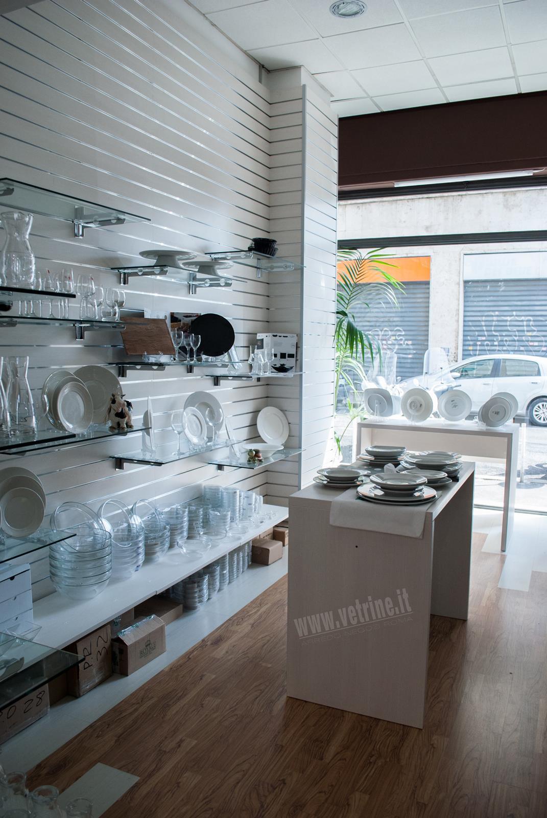 Arredamenti negozi roma mobili badini il top tra i negozi for Negozi sedie ufficio