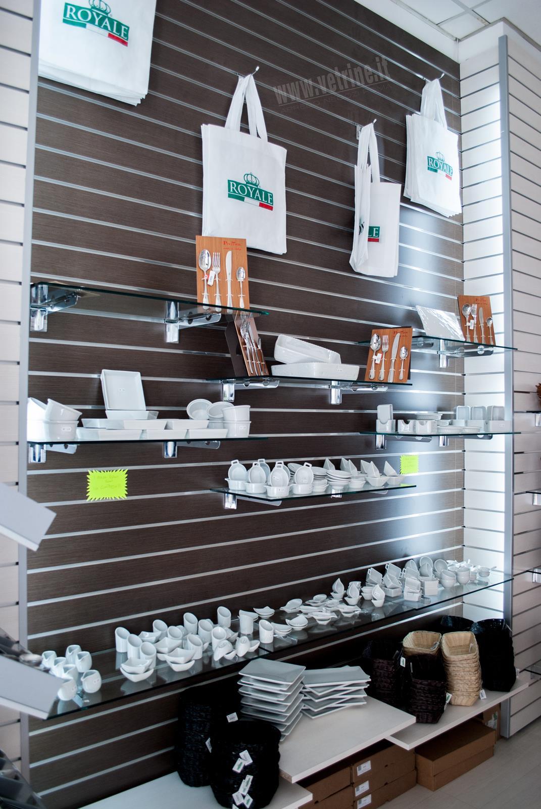 Arredamento prodotti per la ristorazione mar ny prodotti for Arredamento negozi roma